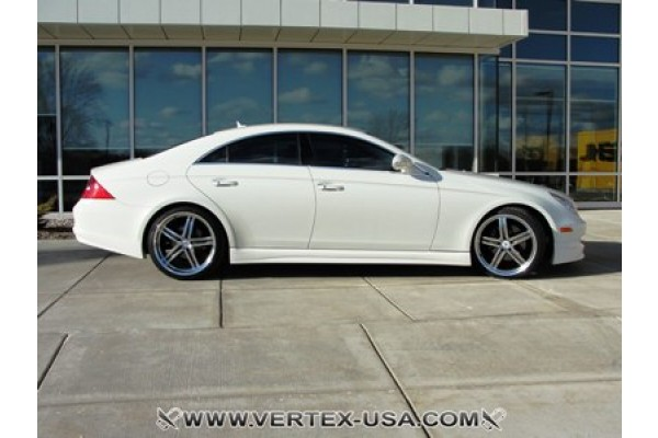 VERTICE DESIGN MERCEDES CLS SIDE SKIRTS